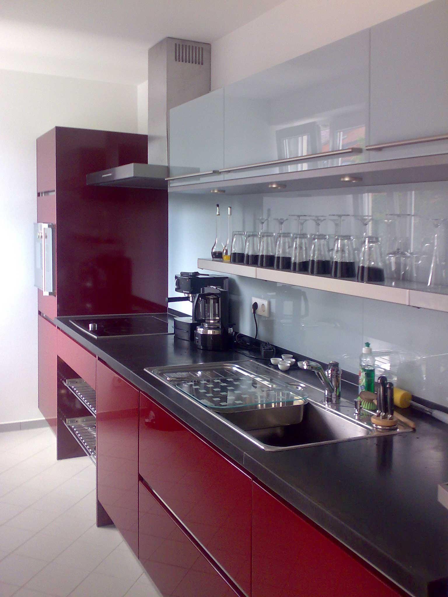 Küchenarbeitsplatte in Nero Assoluto satiniert